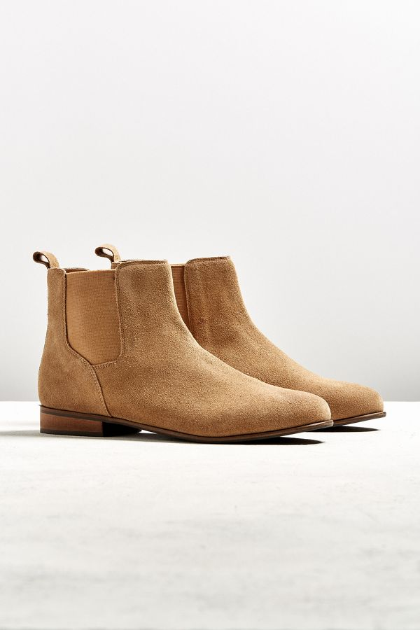 2eb702f4fb0 UO Suede Chelsea Boot