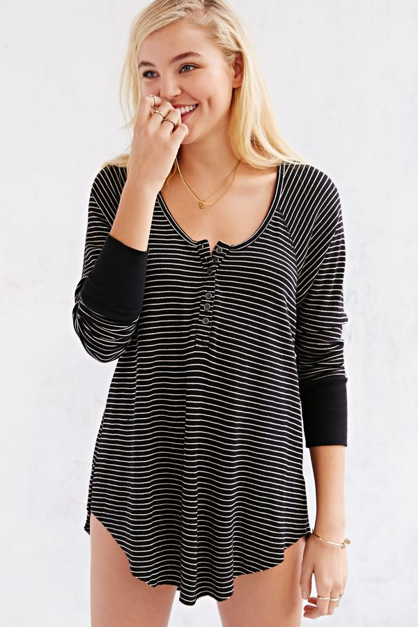 b6a1a6fbb3eb Truly Madly Deeply Boyfriend Thermal Henley Shirt   Urban Outfitters