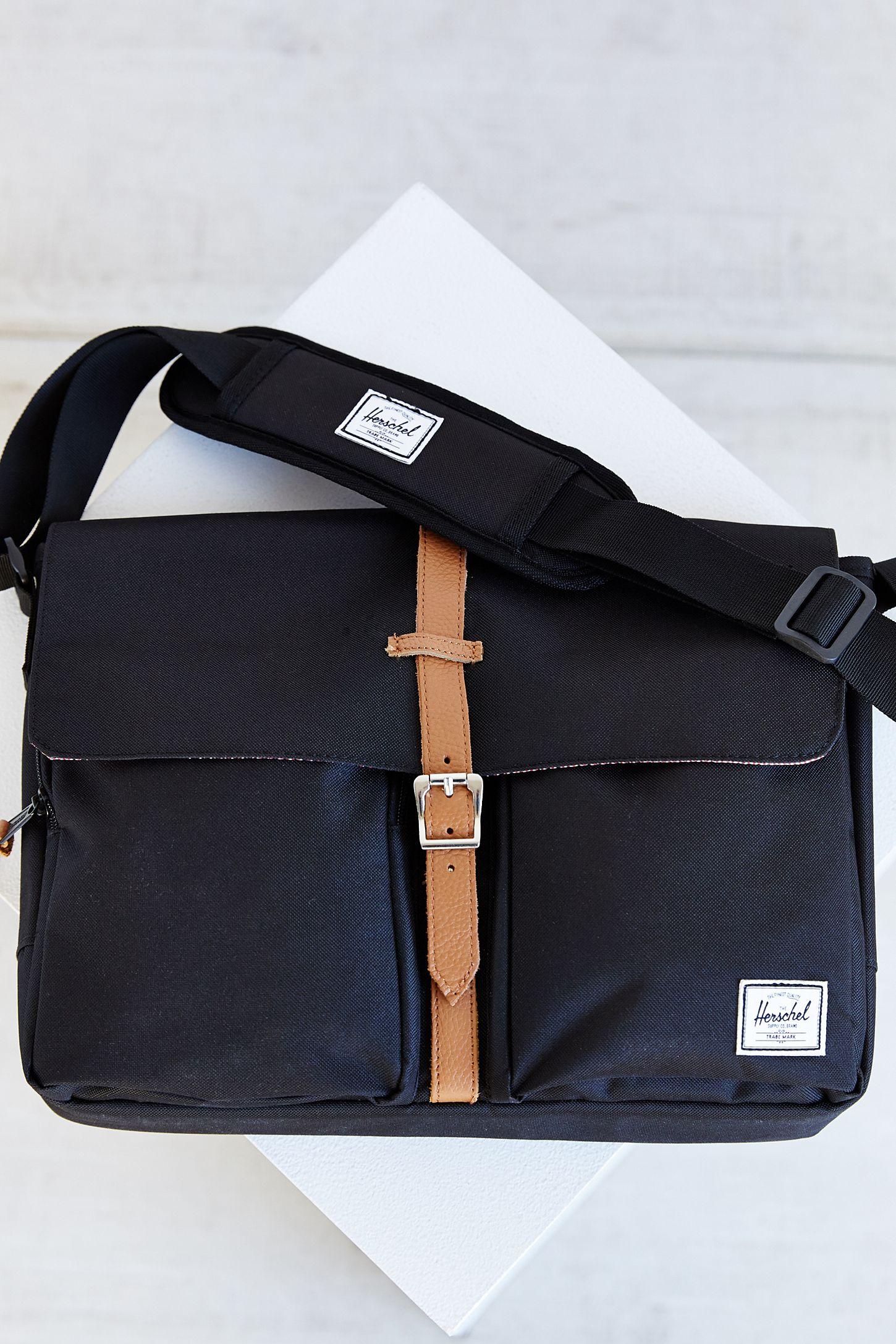 b3a07ffaf83 Herschel Supply Co. Columbia Messenger Bag