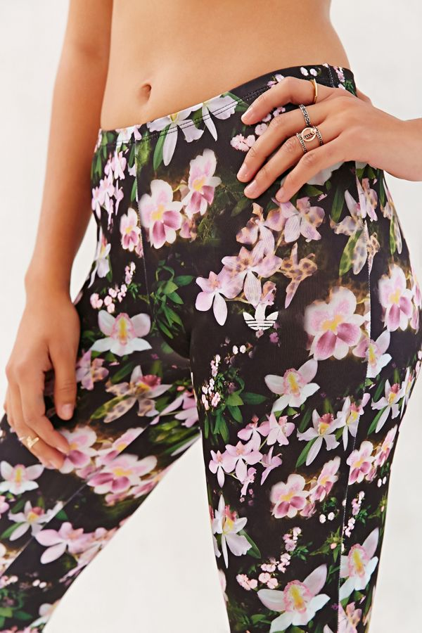 c9567db9f61b4 adidas Originals Orchid Legging | Urban Outfitters