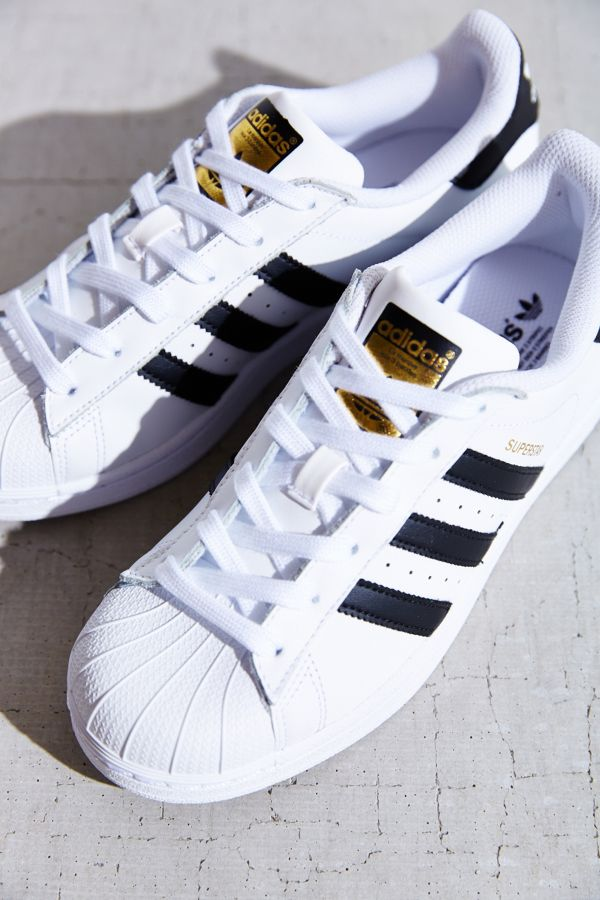 the best attitude a1f8d 89324 adidas Originals Superstar Sneaker