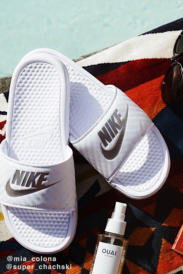 brand new 736a2 0f8c6 Nike Benassi JDI Slide