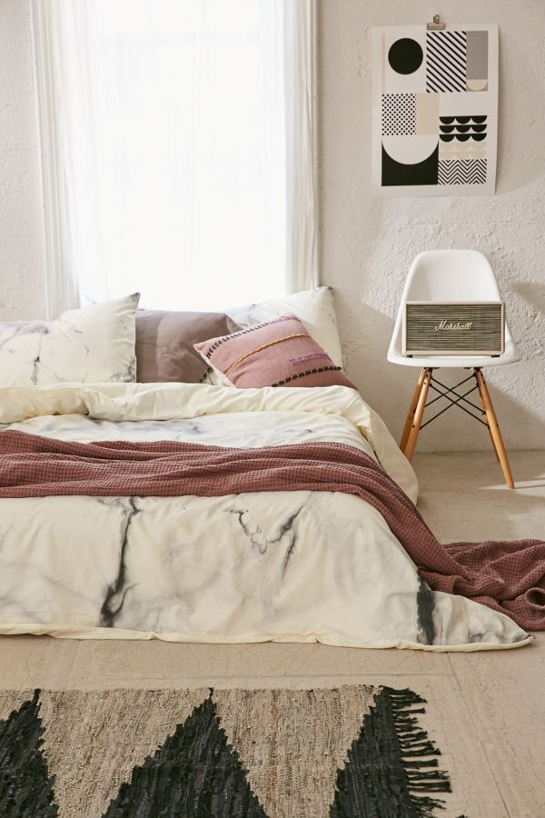 Slide View: 1: Chelsea Victoria For Deny Marble Duvet Cover
