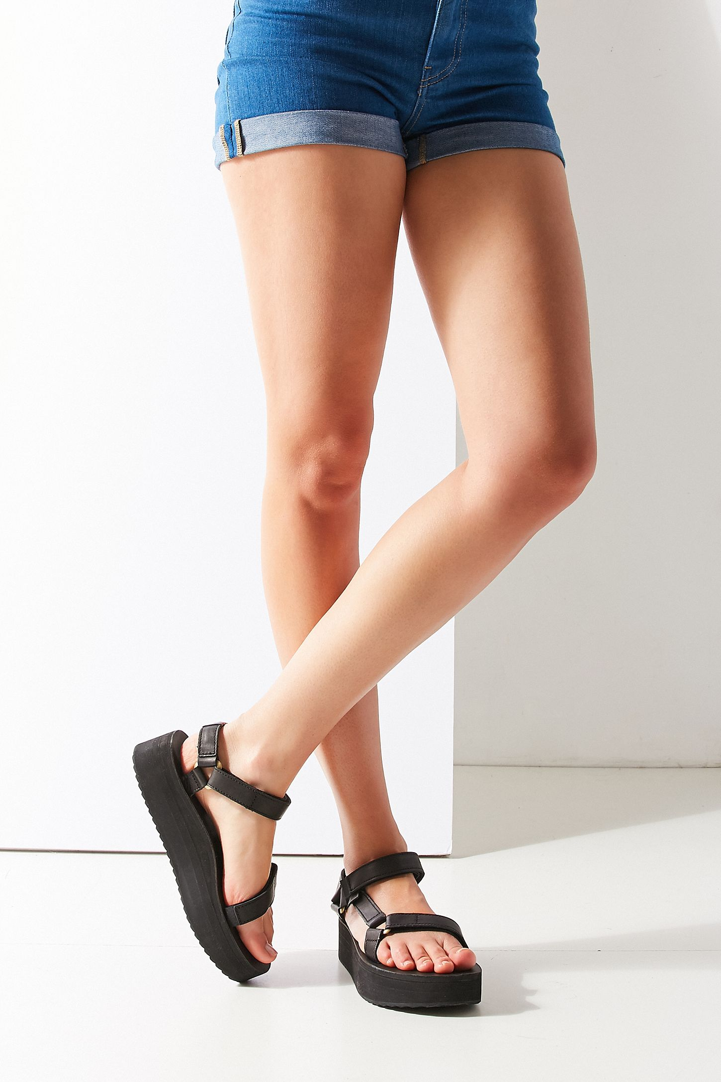 ce362056cceb Teva Universal Crafted Flatform Sandal