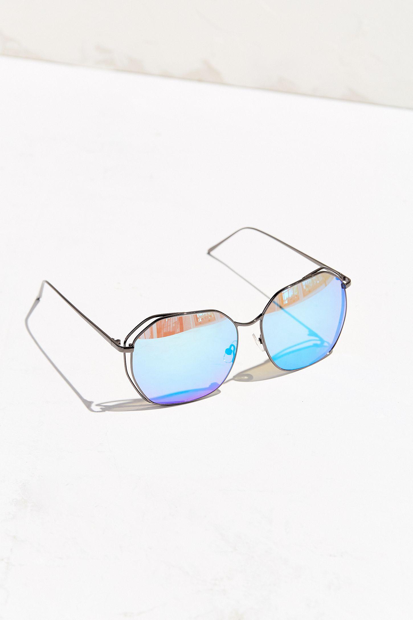 c662c8003b5f9 Quay Bae Sunglasses