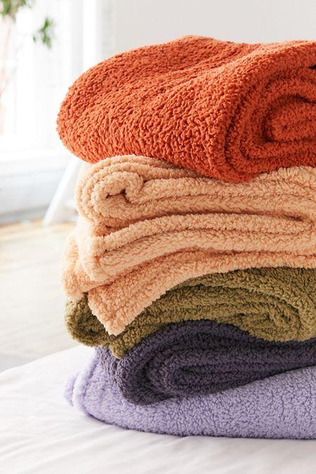 Throw Blankets Floor Pillows Fleece Throws Urban Outers