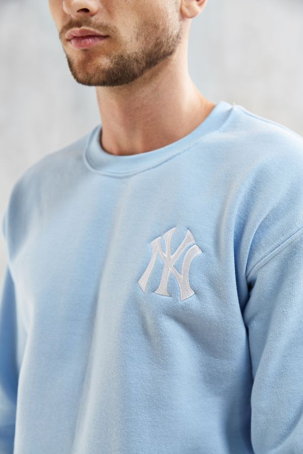 online store c1b3c 49e22 NY Yankees Embroidered Crew Neck Sweatshirt | Urban Outfitters