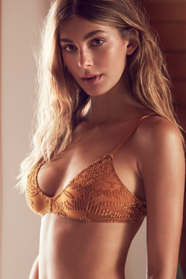 231335618101 Out From Under Sabrina Burnout Velvet Bra | Urban Outfitters