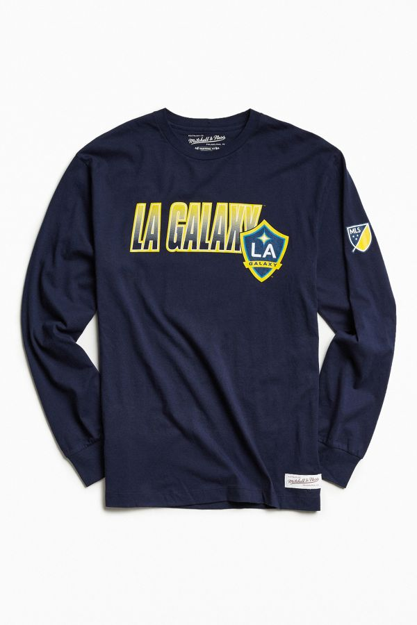 reputable site 79d49 ae79a Mitchell & Ness LA Galaxy Soccer Club Keeping Score Long Sleeve Tee