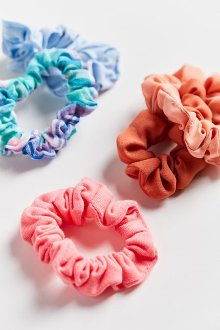 f6a687b17 Headbands, Hair Ties + Clips   Urban Outfitters