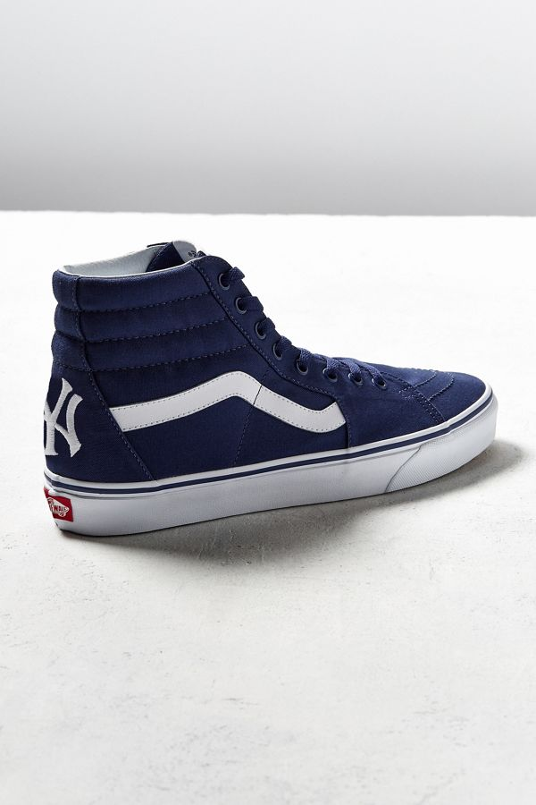 cd78d40c475635 Vans MLB New York Yankees Sk8-Hi Sneaker