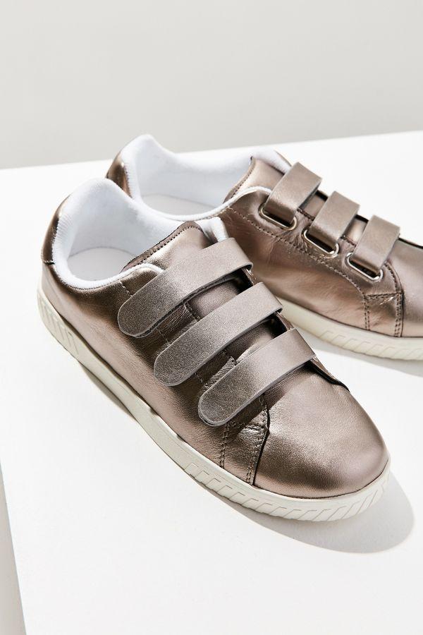 77acd845472a4 Tretorn Carry 2 Velcro Sneaker