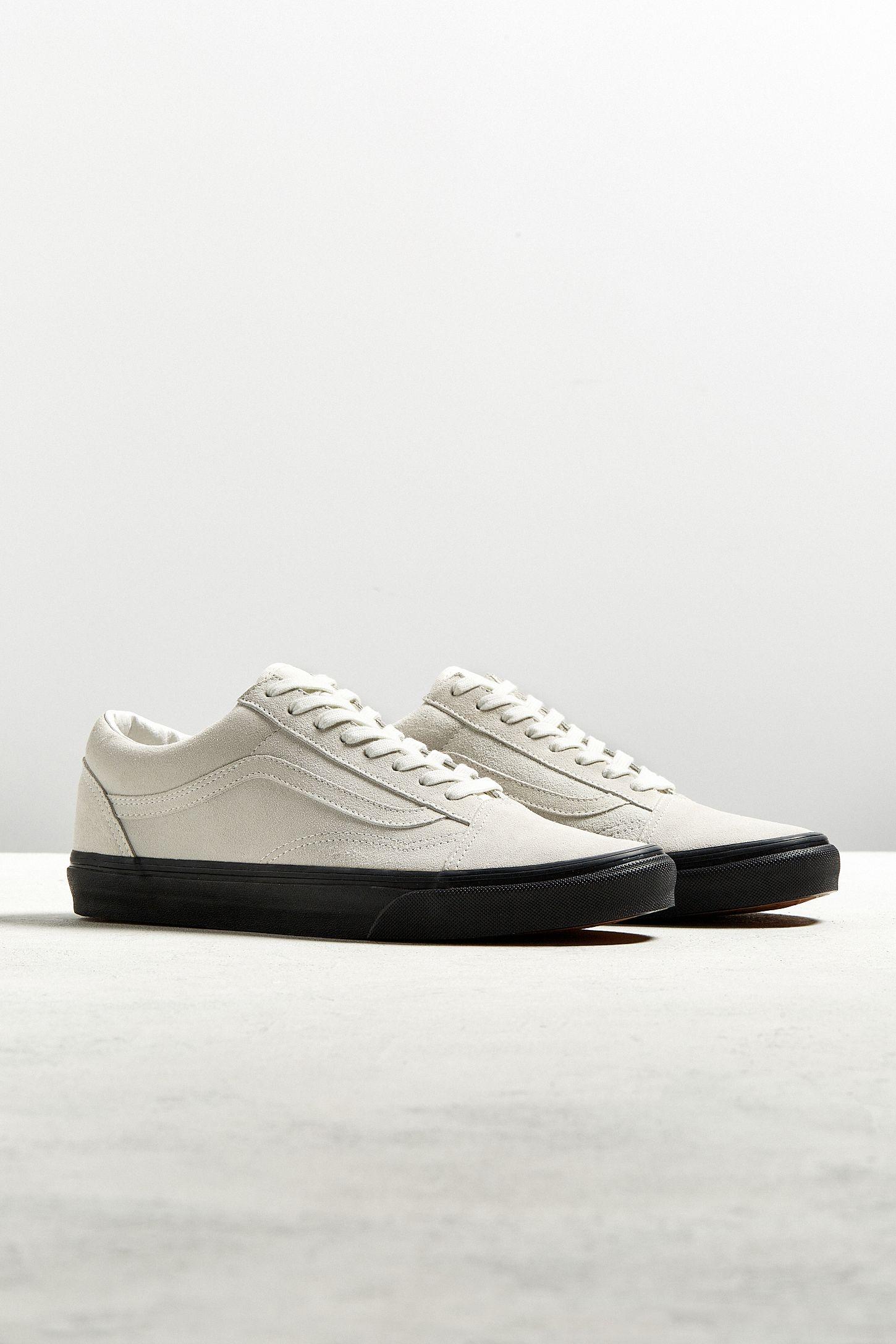 44a6a621fe6090 Vans Old Skool Black Sole Sneaker