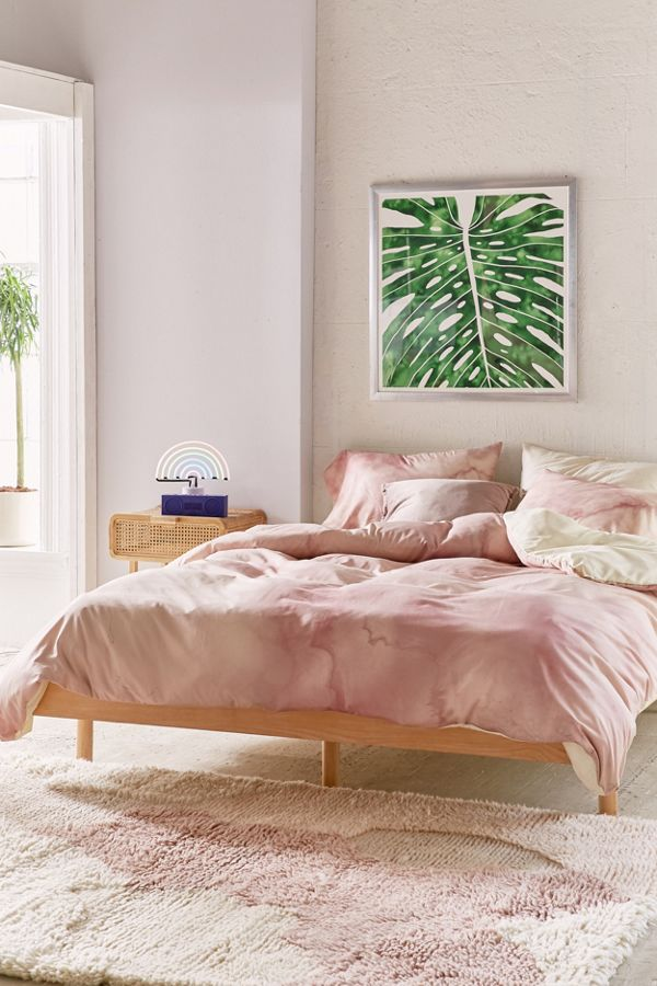 Slide View: 1: Chelsea Victoria For Deny Rose Gold Marble Duvet Cover