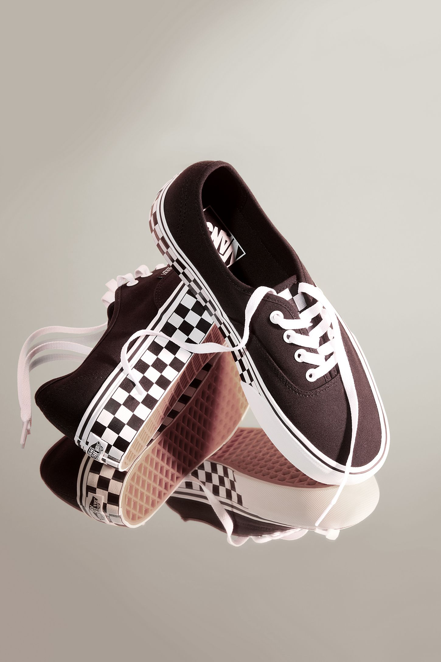 a2efb2e8618 Vans & UO Authentic Platform Sneaker   Urban Outfitters