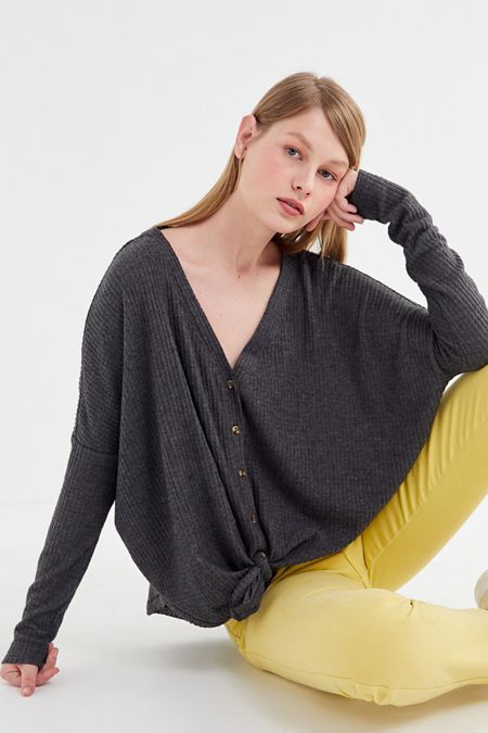 Sweater + Sweatshirt Sale for Women | Urban Outfitters