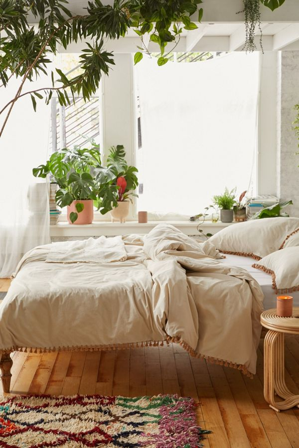 Slide View: 1: Washed Cotton Tassel Duvet Cover