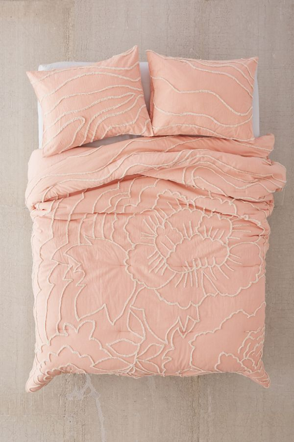 Slide View: 2: Margot Tufted Floral Comforter