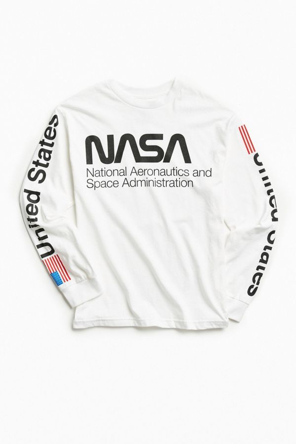 4f70c4eb NASA Worm Logo Long Sleeve Tee | Urban Outfitters