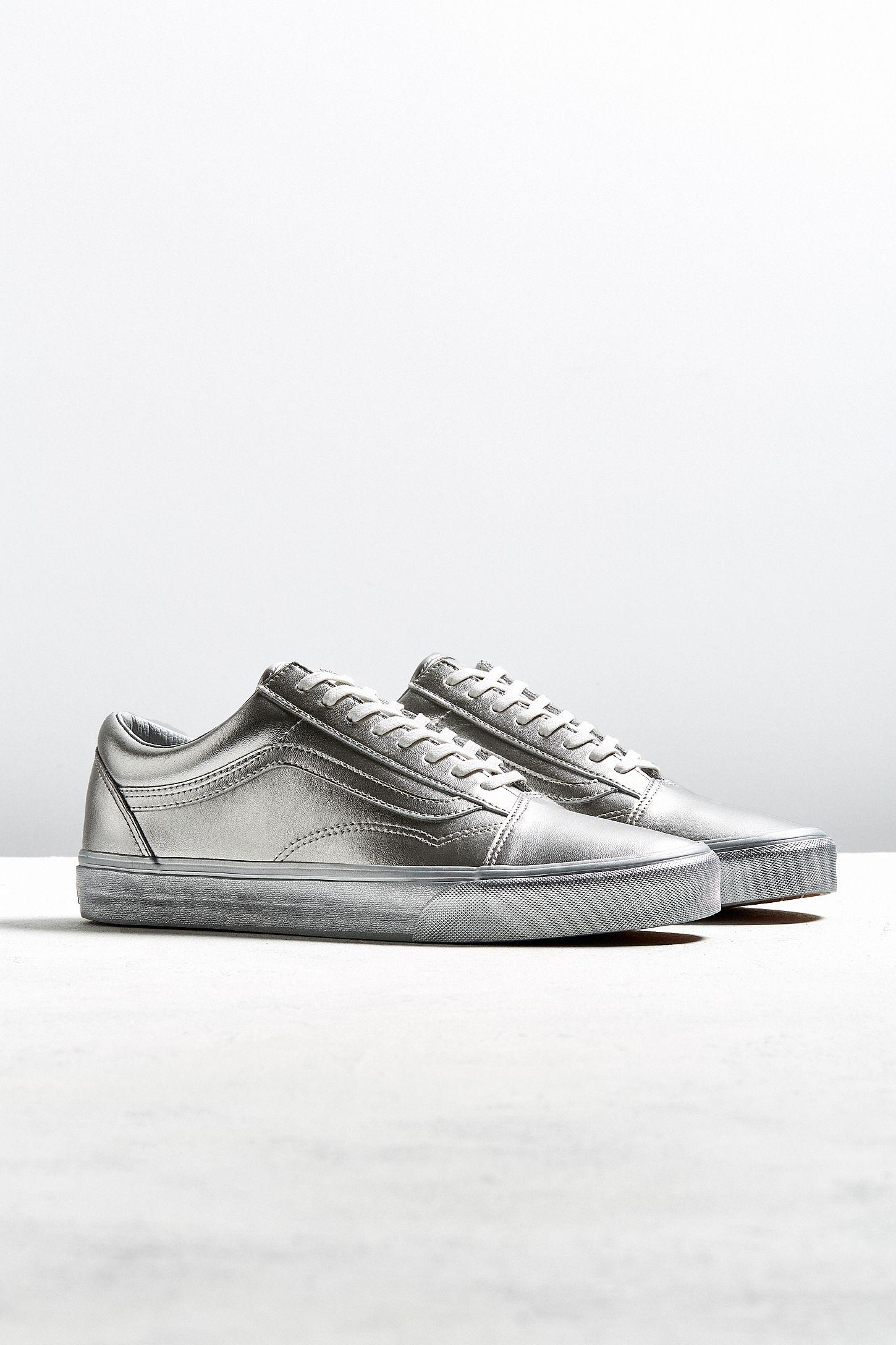 ecc620217f Vans Old Skool Silver Metallic Sneaker