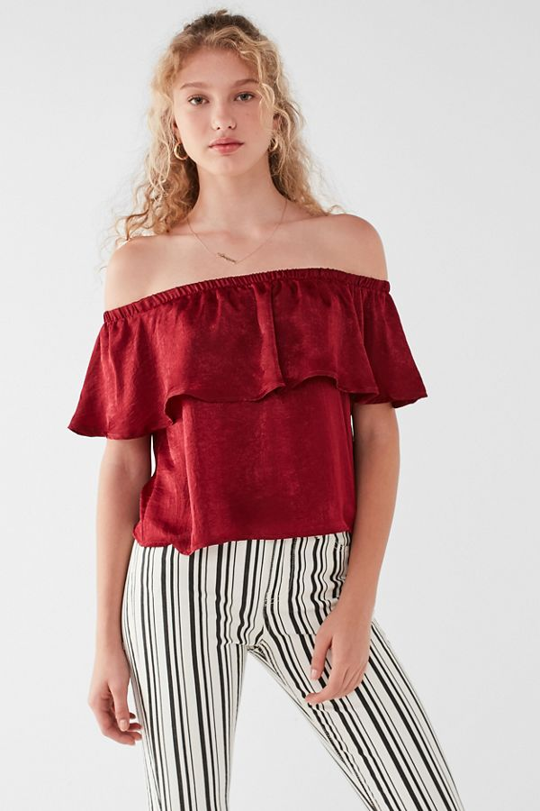 96172ccdbe21 UO Winona Satin Off-The-Shoulder Ruffle Top