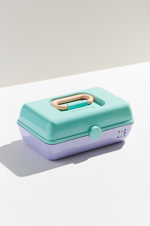 Caboodles Uo Exclusive Vintage Pretty Makeup Case Urban Outfitters