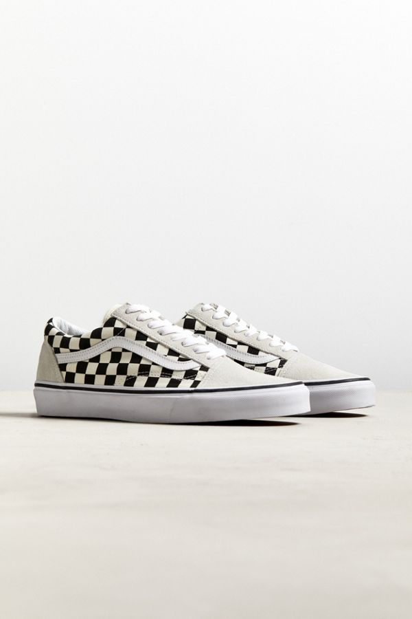 17e1142416 Slide View  1  Vans Old Skool Checkerboard Sneaker