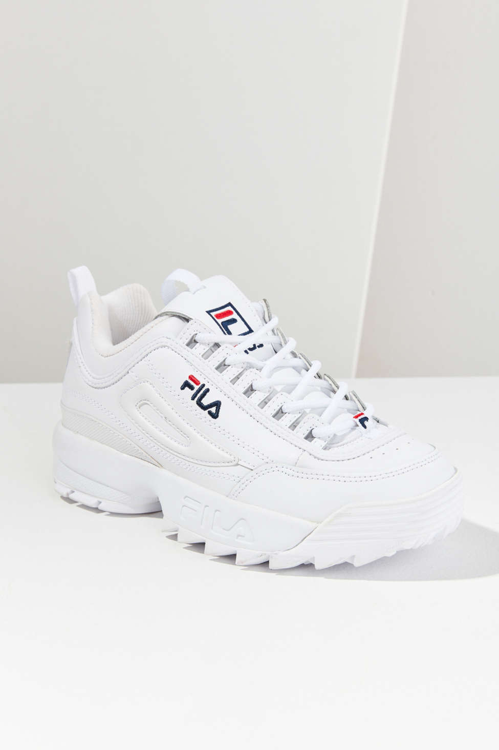 https://s7d5.scene7.com/is/image/UrbanOutfitters/44883460_010_b?$xlarge$&hei=900&qlt=80&fit=constrain