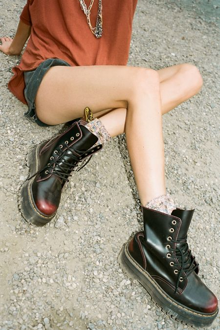 big sale 752ba 4bdec Women's Boots + Ankle Boots | Urban Outfitters