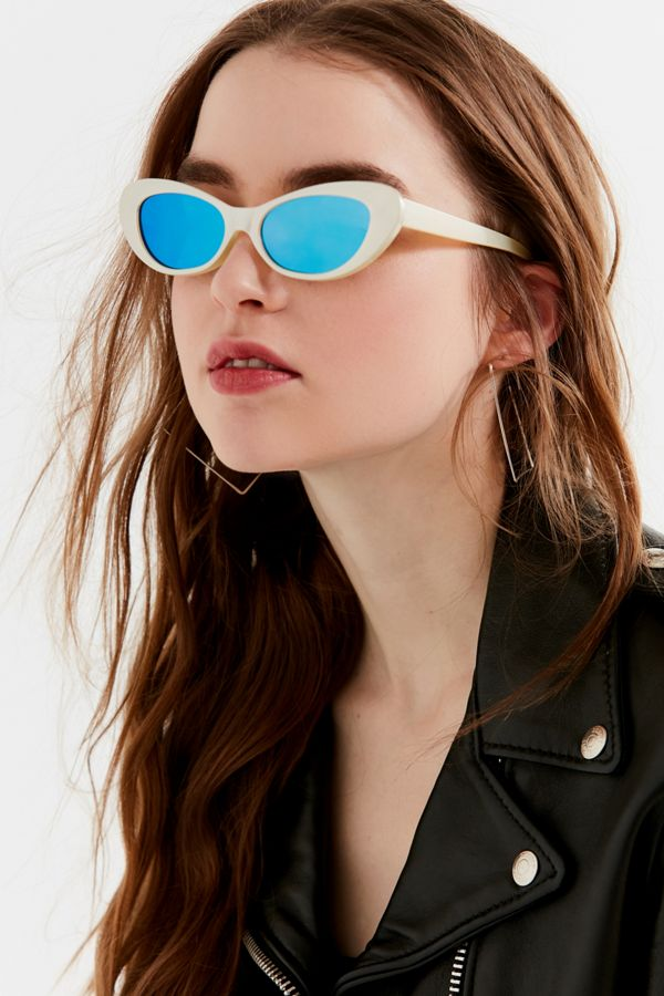 1119dd9b8 Retro Rounded Cat-Eye Sunglasses | Urban Outfitters