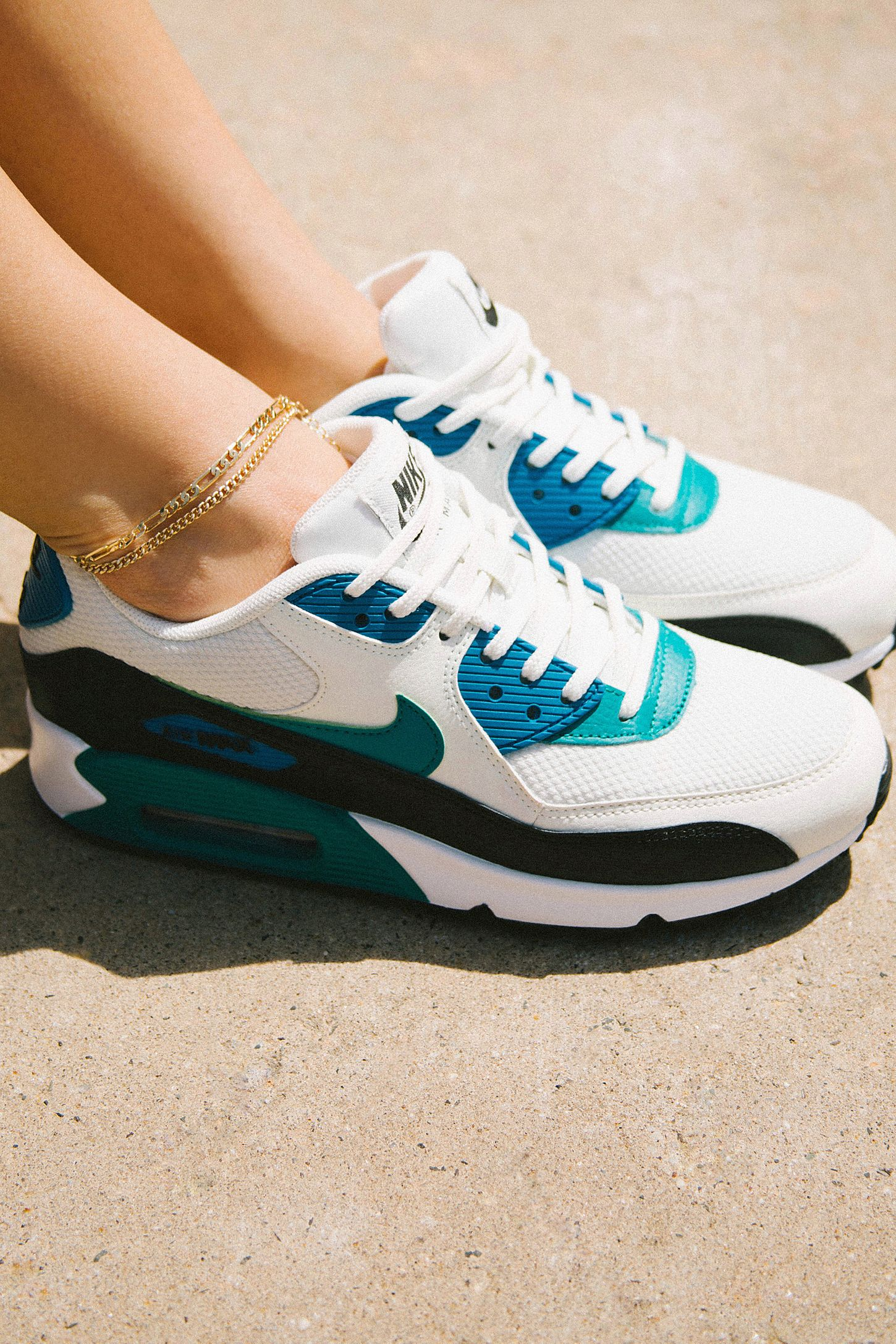 buy online 55ea6 bd35e Nike Air Max 90 Colorblock Sneaker   Urban Outfitters