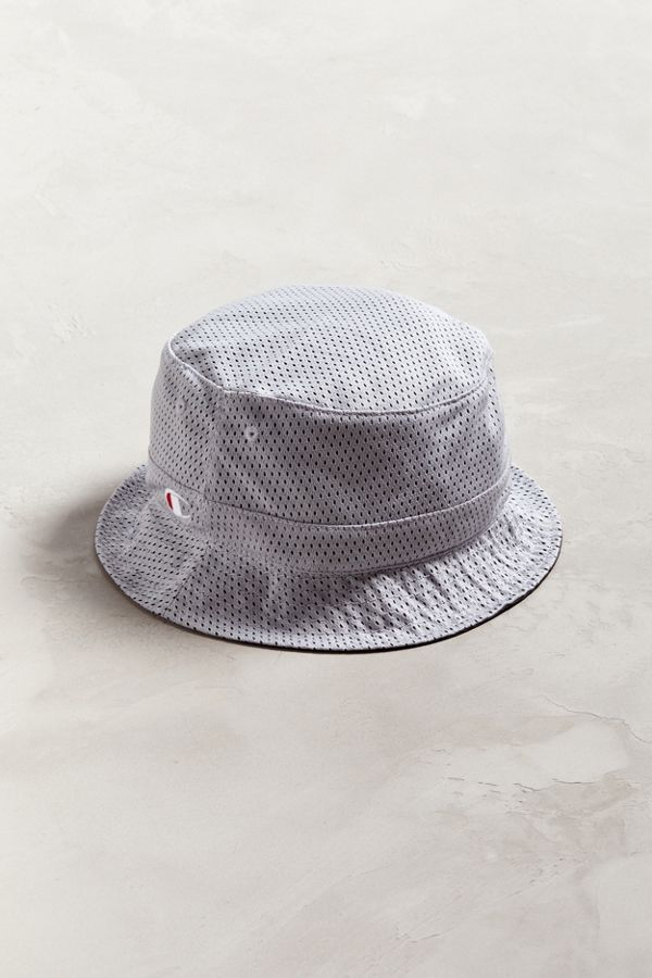 efee5263 Champion Reversible Mesh Bucket Hat | Urban Outfitters Canada