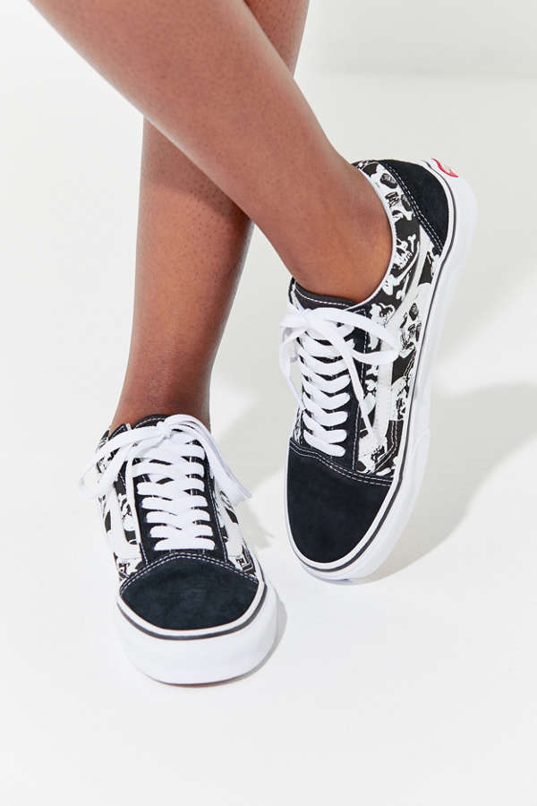 7061925dcf0 Vans Old Skool Skull Sneaker