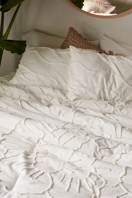 Slide View: 3: Margot Tufted Floral Comforter Snooze Set