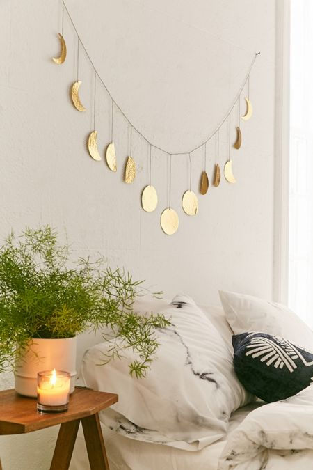 Home Décor: Art, Wall Hangings, + More  Urban Outfitters Canada