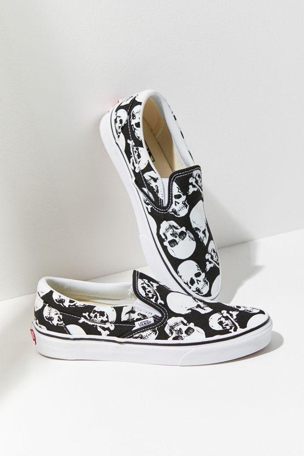 7c098104ff4f76 Vans Skull Slip-On Sneaker