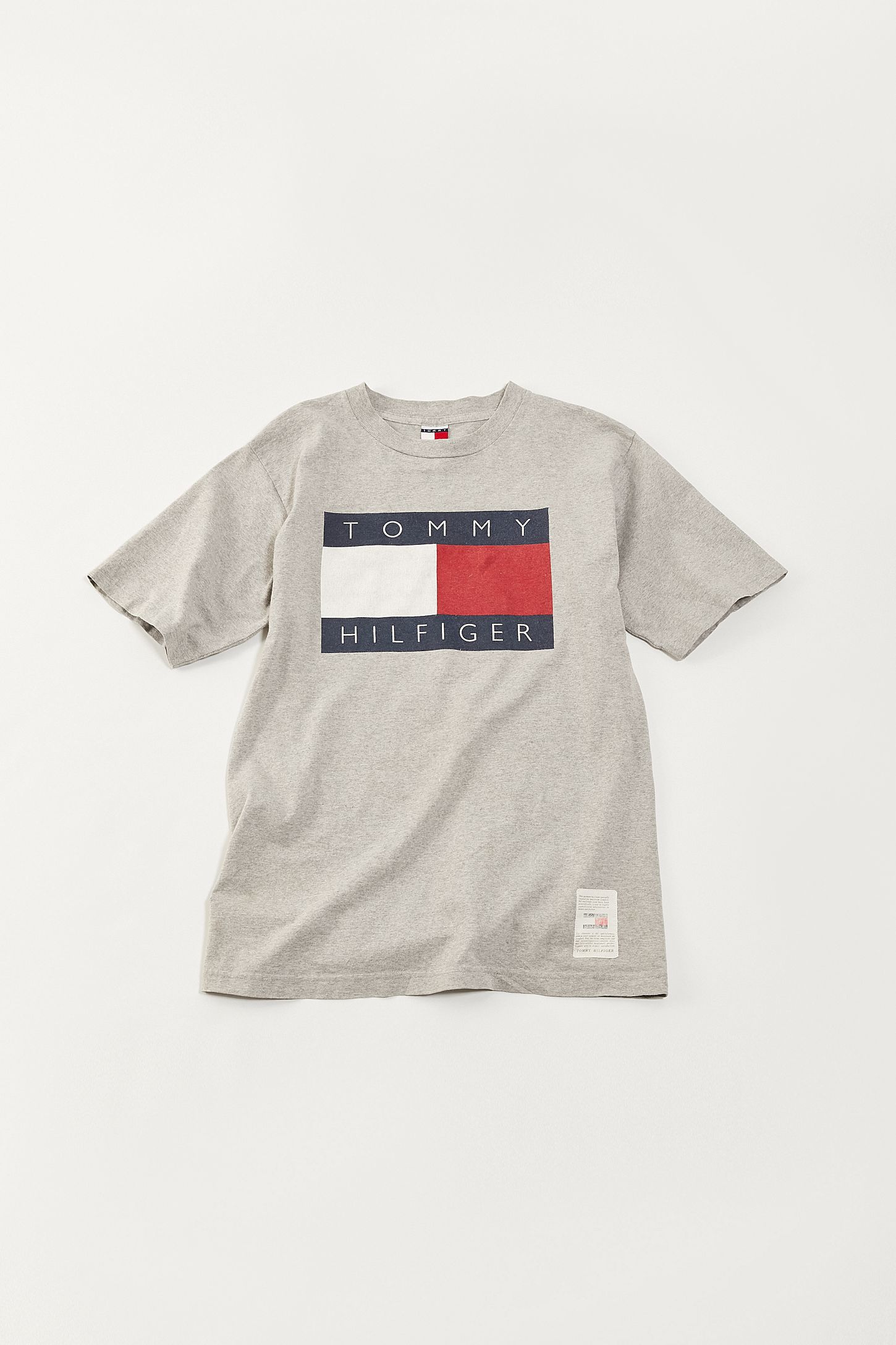 e4f338bc Vintage Tommy Hilfiger '90s Flag Tee | Urban Outfitters