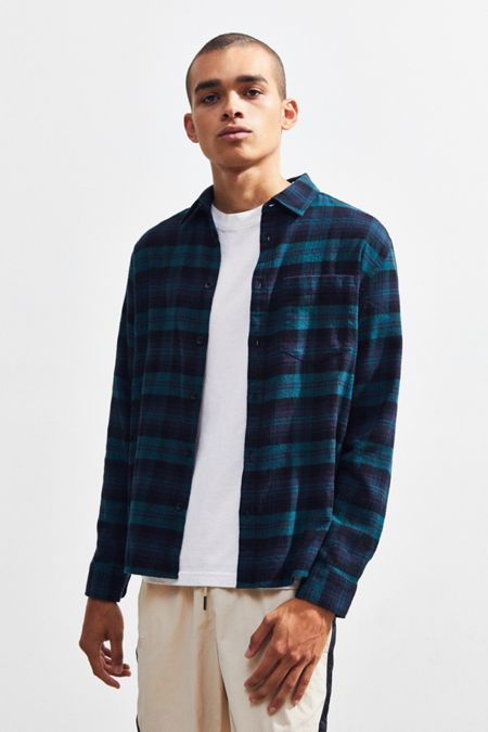 b3d47b23080ad UO Plaid Flannel Button-Down Shirt