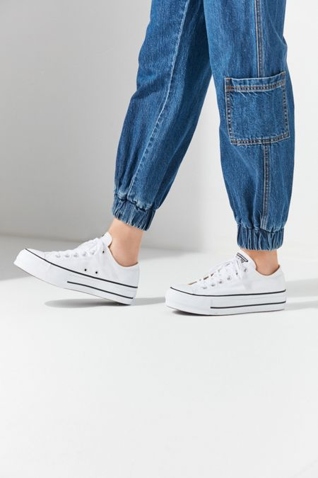 dab79b075082 Converse Chuck Taylor All Star Lift Low Top Sneaker
