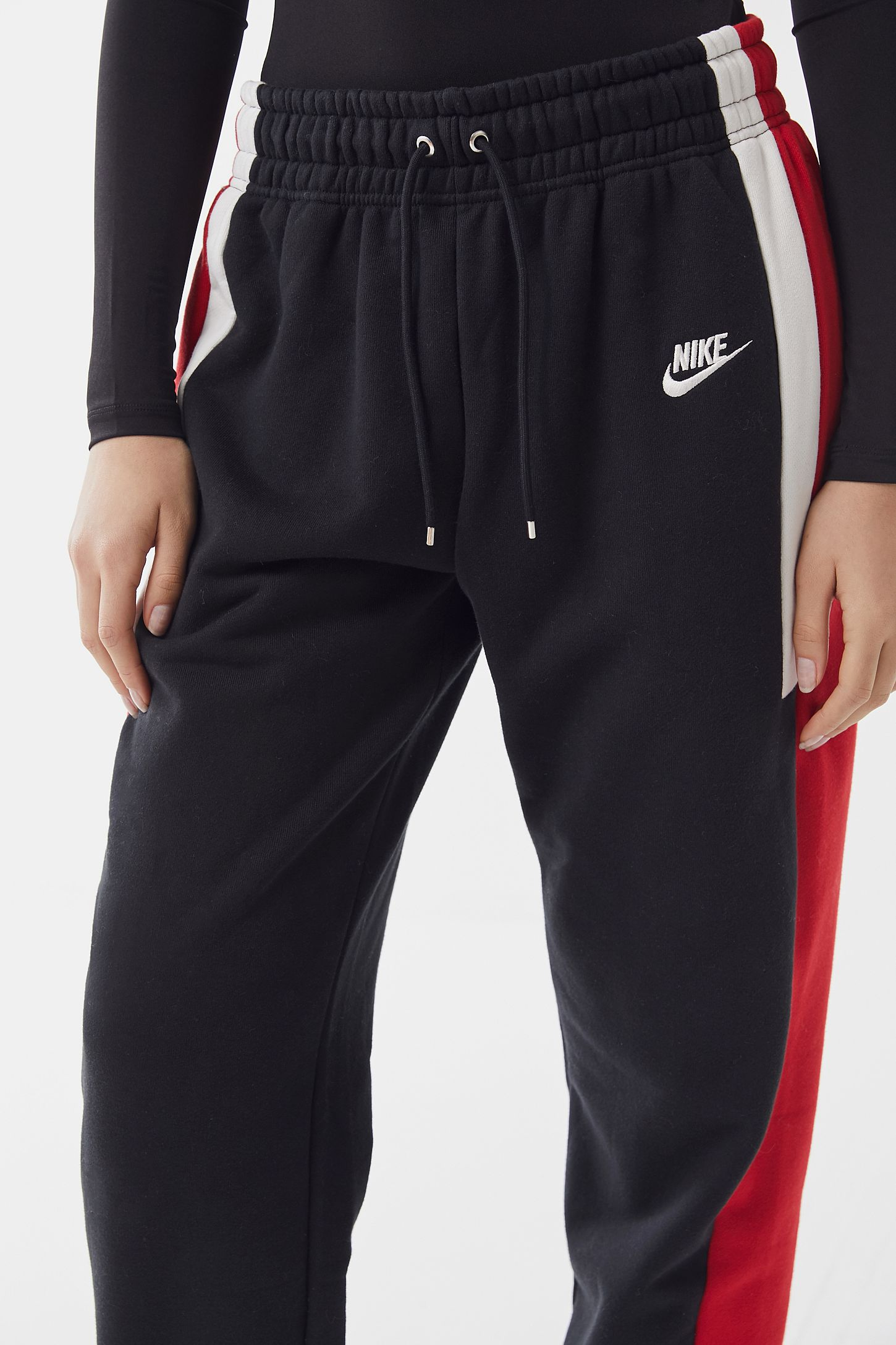 897b02e248e Nike Re-Issue Colorblock Drawstring Sweatpant | Urban Outfitters