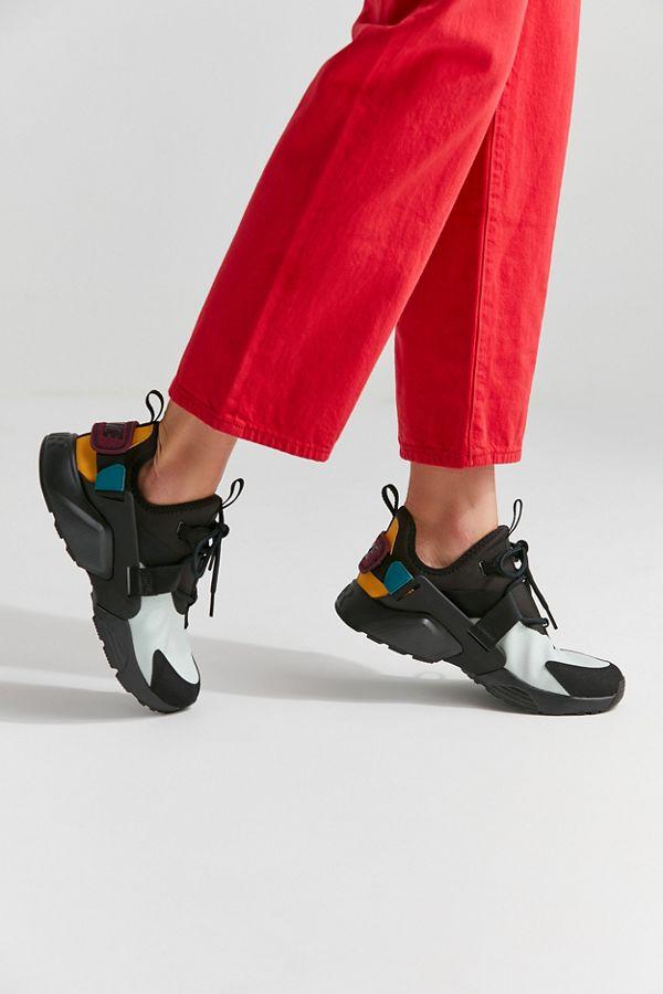 new arrival 04ff7 0640f Nike Air Huarache City Low Sneaker