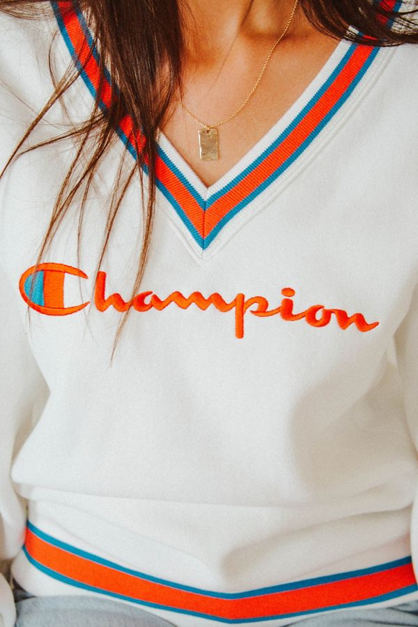 sports shoes 75cc9 21615 Champion UO Exclusive Fleece V-Neck Sweatshirt