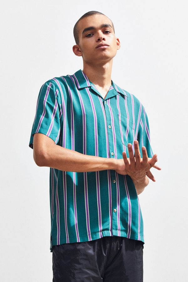 7c6aff20a UO Vertical Striped Sport Rayon Short Sleeve Button-Down Shirt ...