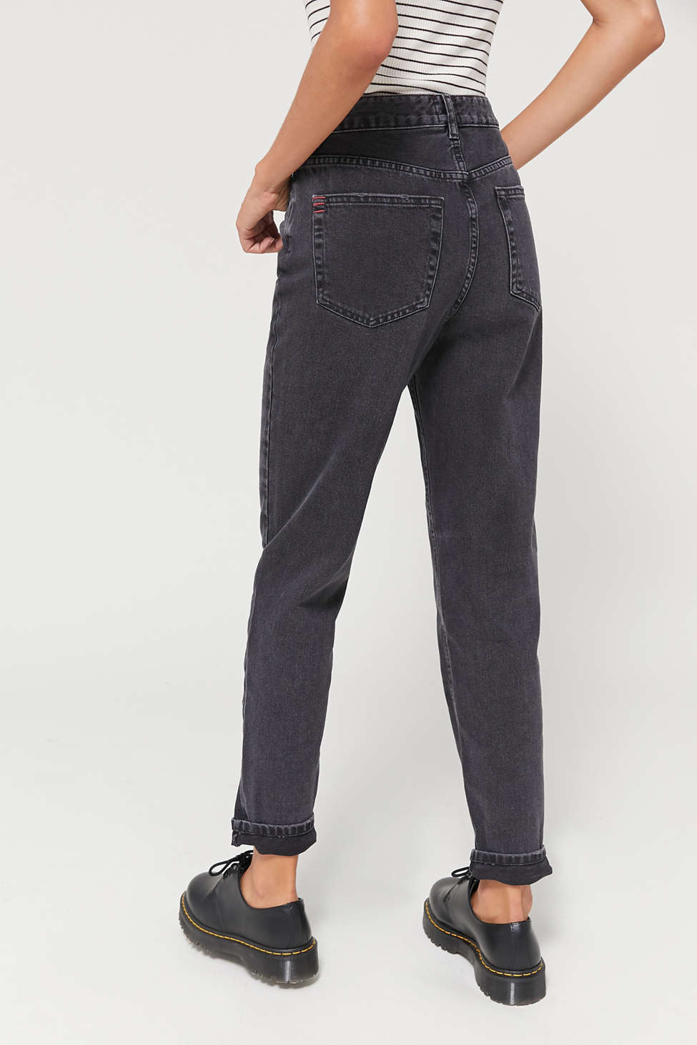 BDG High-Waisted Mom Jean – Washed Black Denim | Urban Outfitters