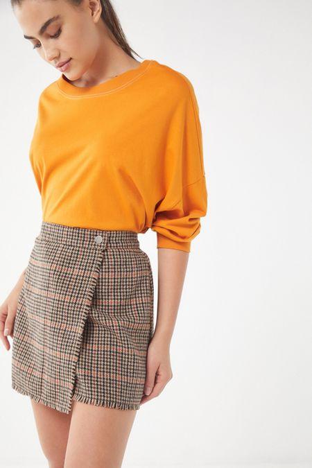 53c5a31da52 UO Teryn Houndstooth Fray Wrap Skirt
