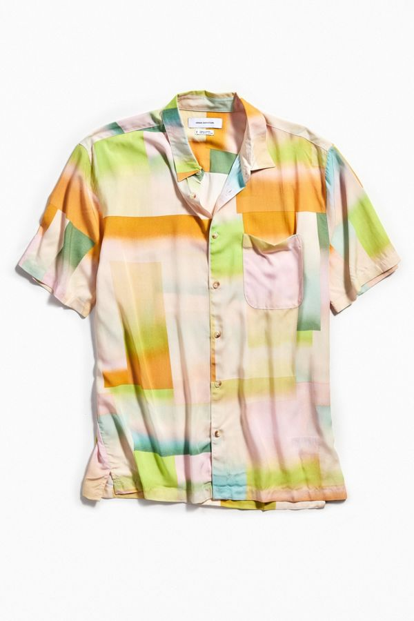 7f0123d66 UO Blocked Gradient Pastel Short Sleeve Button-Down Shirt | Urban ...