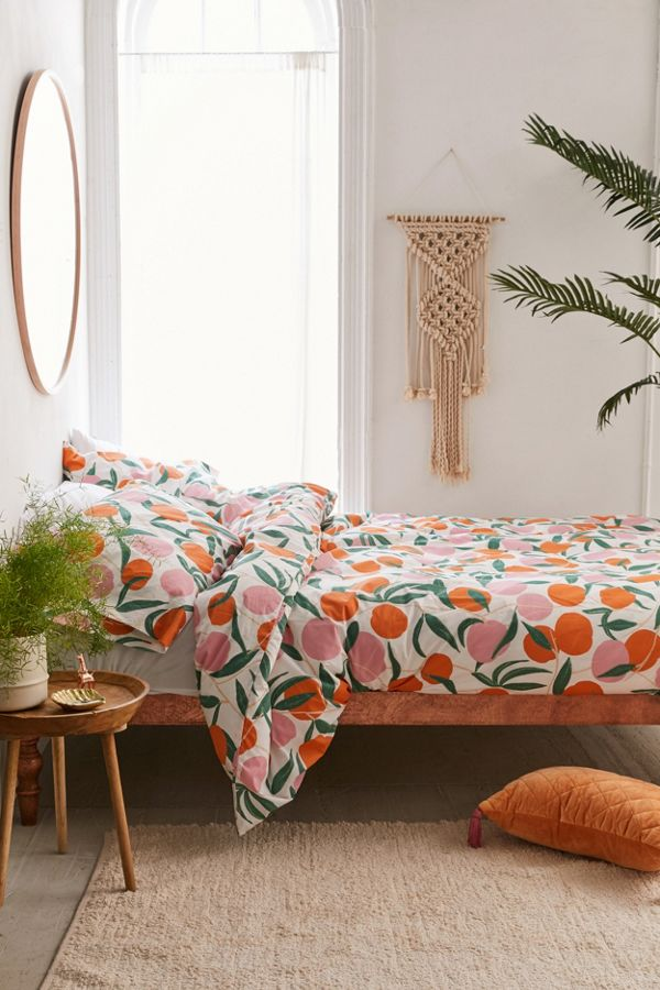 Slide View: 1: Peaches Duvet Set