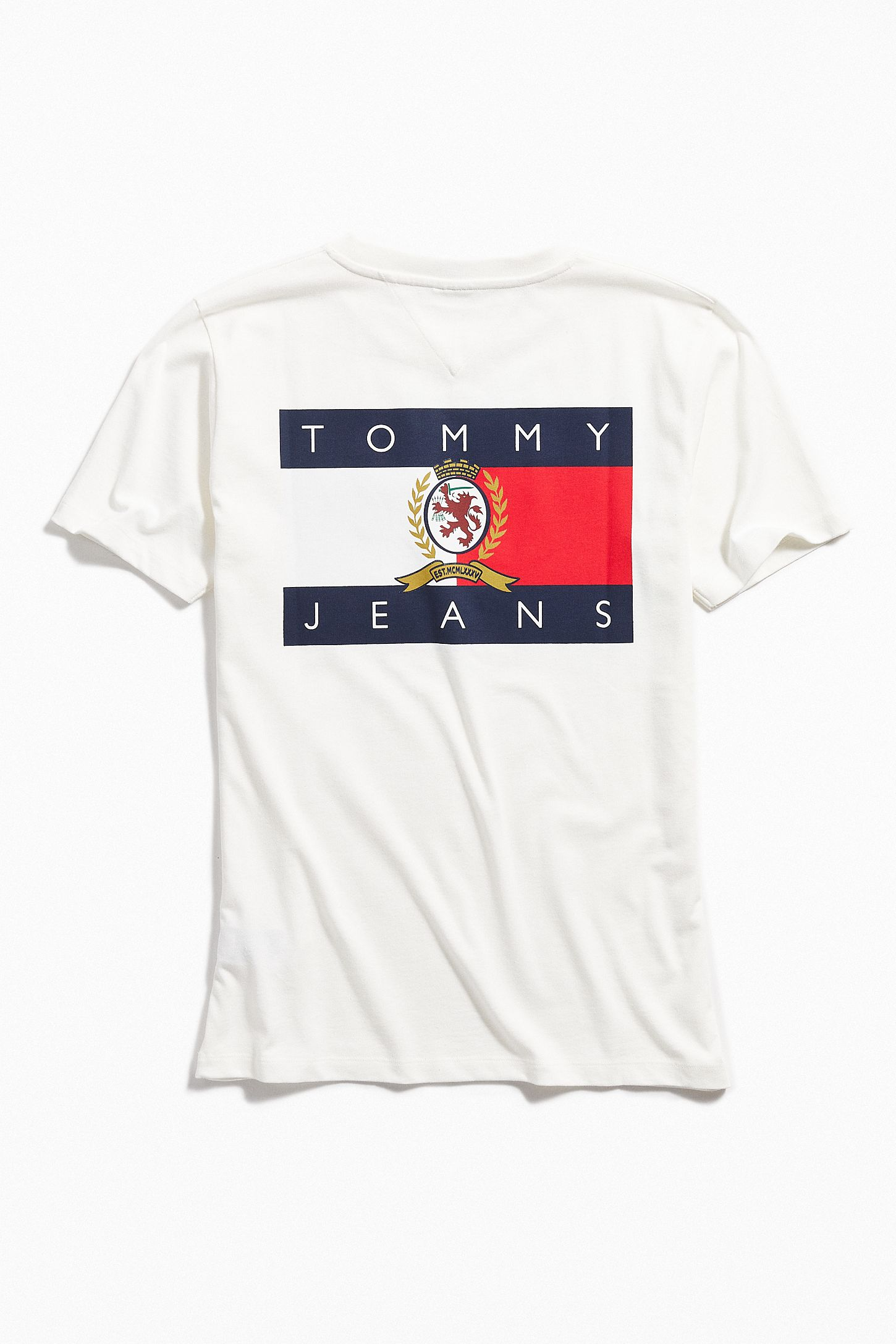 34191b922f8952 Tommy Jeans Crest Flag Tee | Urban Outfitters