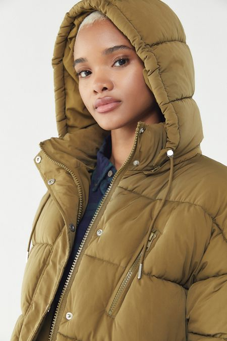 458e09fd9127 UO Mae Hooded Puffer Jacket