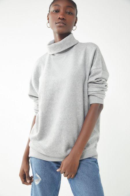 a66b2125d65 UO Vicky Viscose Turtleneck Sweater